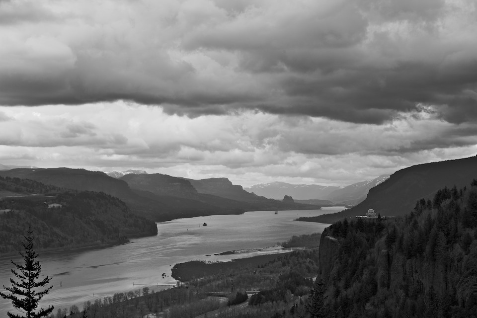 Stellar View of Columbia River and Vista House